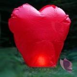 Latające lampiony życzeń - czerwone serca