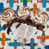 Upominki dla gości na Urodziny personalizowane Lizak okrągły brązowy - personalizacja