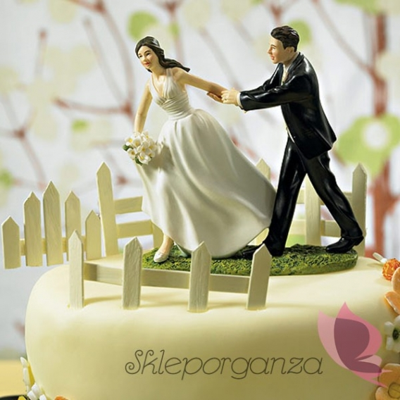 Figurki na tort Porcelanowa figurka na tort - Wyścig do ołtarza