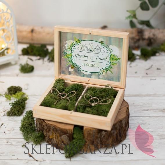 WOODLAND Drewniane pudełko na obrączki mech - personalizacja WOODLAND