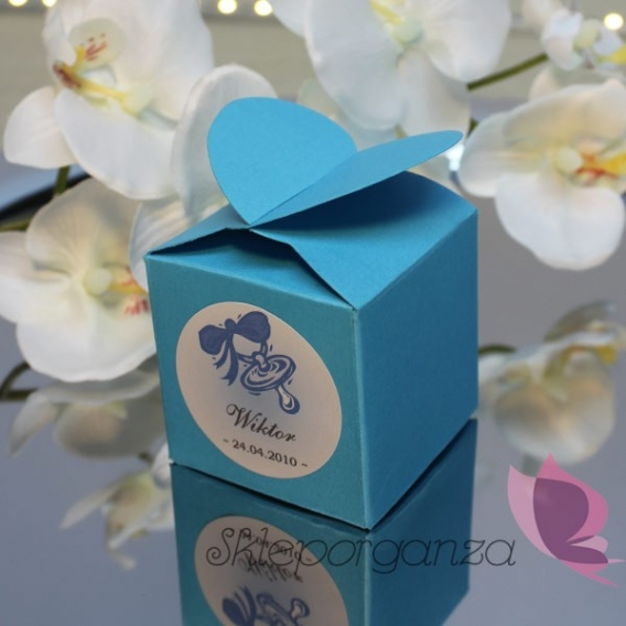 Z personalizacją Pudełko serce niebieskie- personalizacja