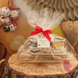 Zestawy świąteczne prezentowe z miodami Świąteczny zestaw 3 mini miodzików na dużych sankach – personalizacja