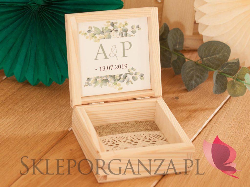 pudełka na obraczki, personalizowane pudełka na obraczki, pudełka na obraczki z personalizacją, pudełka na obrączki z jutą, drewniane pudełka na obraczki, drewniane szkatułki na obrączki