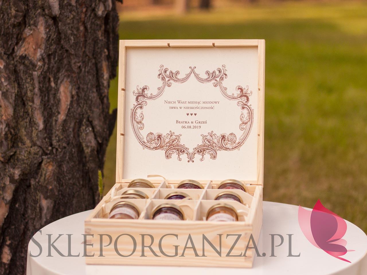 personalizowane szkatułki z miodami smakowymi, personalizowane szkatułki, mini miodziki, skrzynki z miodami, jakie upominki na rocznice, upominki na rocznice, personalizowane upominki na rocznice, personalizowane mini miodziki