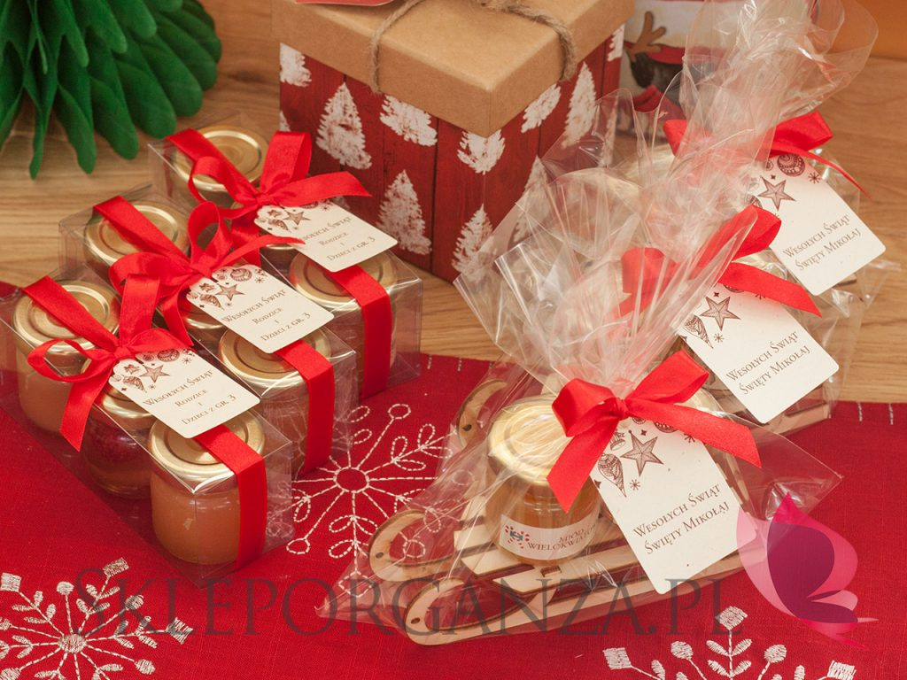 upominki firmowe, upominki dla pracowników, prezenty dla klientów firmowych, świąteczne upominki, prezenty świąteczne, podarunki świąteczne, szkatułki świąteczne, szkatułki z miodami, mini miodziki, świateczne miody, miody smakowe, personalizowane miody, mini miody, naturalne miody, polskie miody, miody z dekoracją wieczka, personalizowany miód, upominek miód, święta bożegonarodzenia upominki, upominki świąteczne, upominki gwiazdkowe, prezenty gwiazdkowe